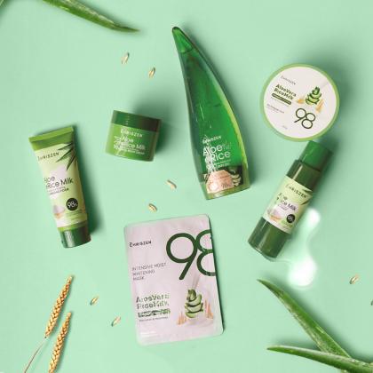 Chriszen 98% Aloe Vera & Rice Milk Collagen Plus - Soothing Skin Gel (250g)